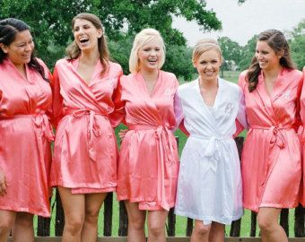 10 Wonderful Bridal Party Being Ready Outfits For Inspirations