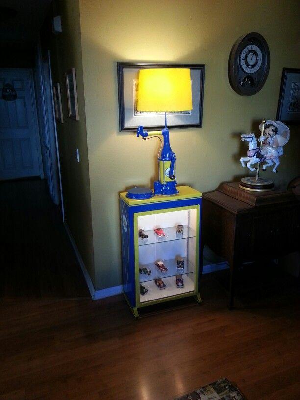 Bulk Oil Lubester Display Cabinet Floor Lamp Whitedove