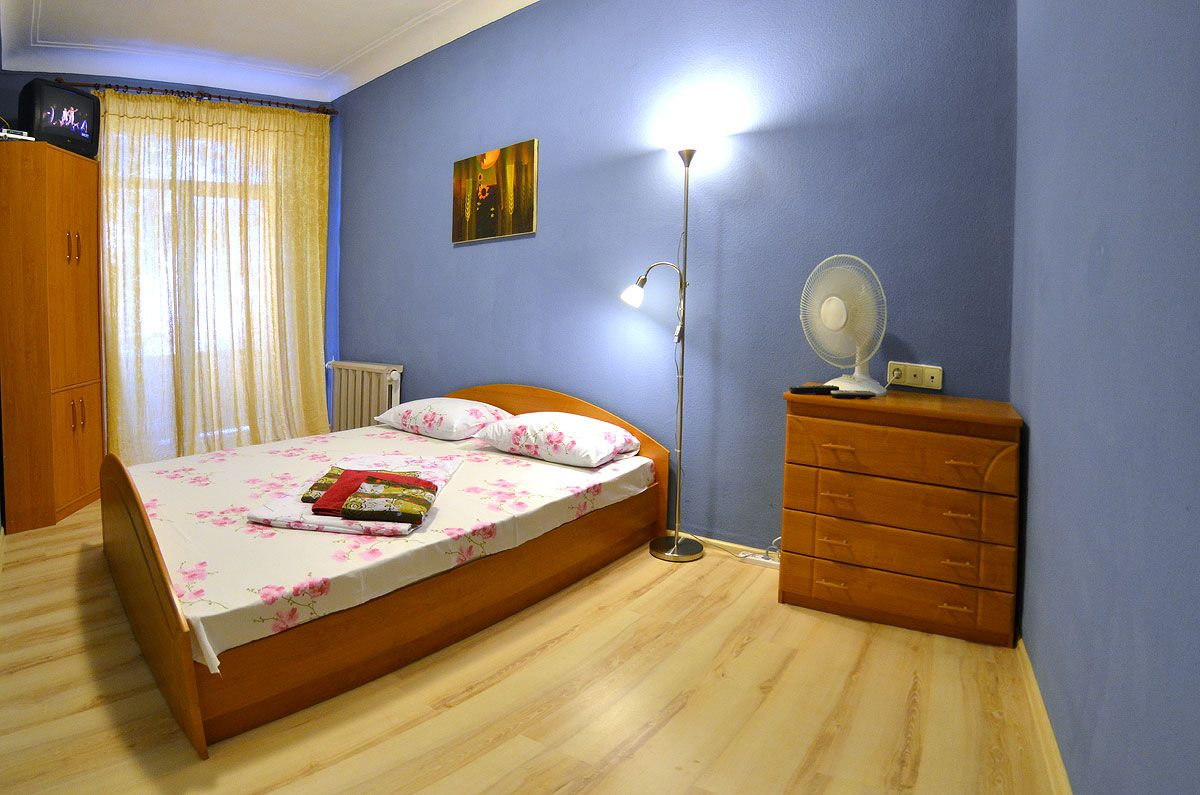Studio apartment in Kiev downtown for daily rent near ...