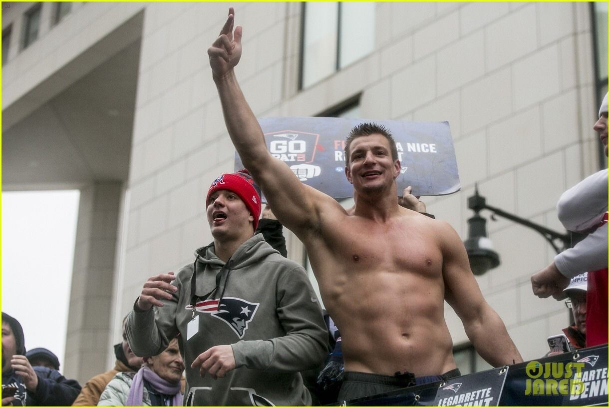 Rob Gronkowski - Shirtless & Partying His Face off during