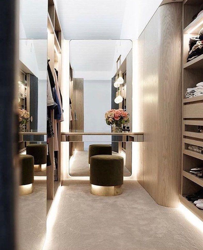 Pin de sofia mamidaki en dream wardrobe en 2019 vestidor for Espejo publico hoy completo