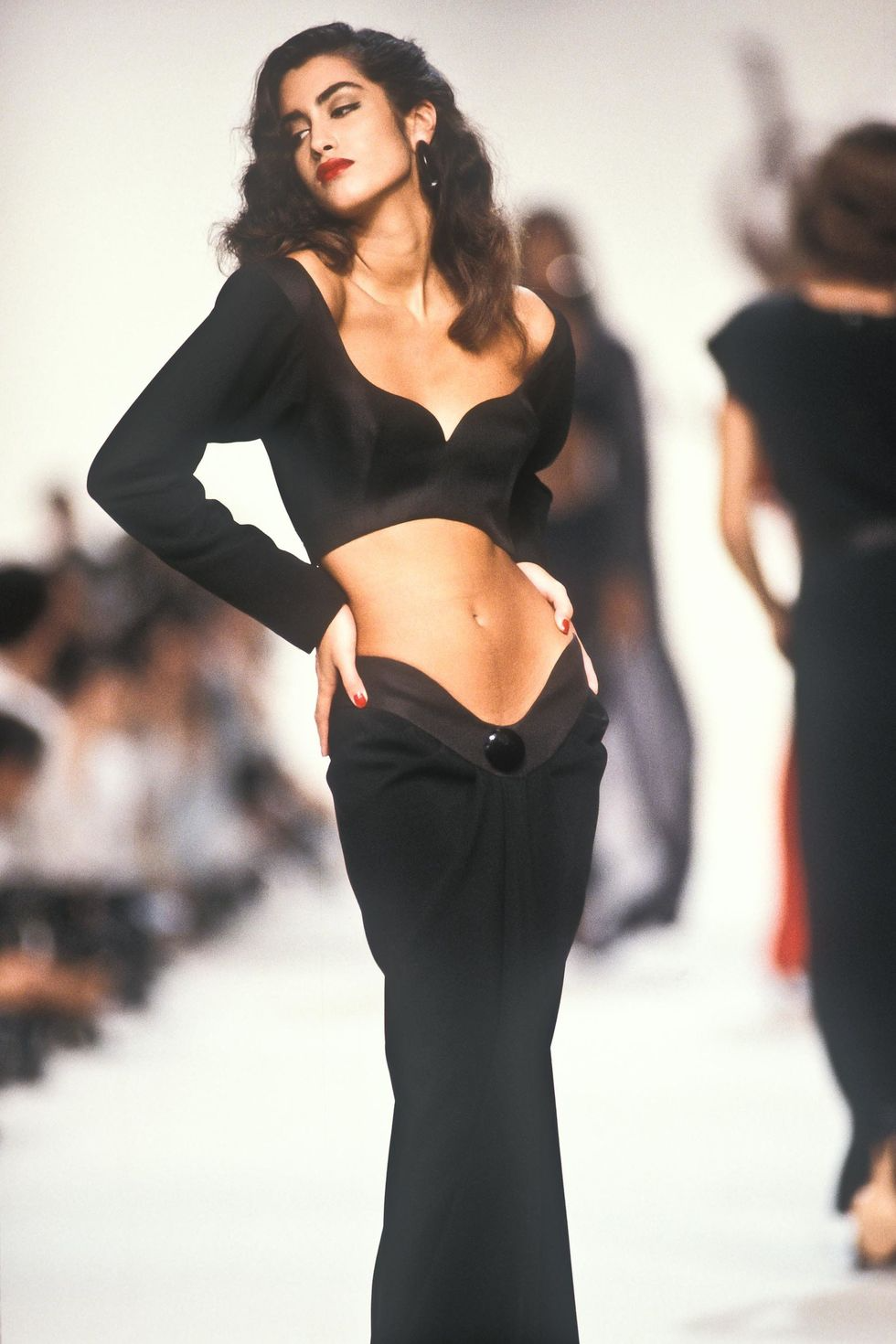 Photo of What Fashion Weeks Looked Like in the '90s