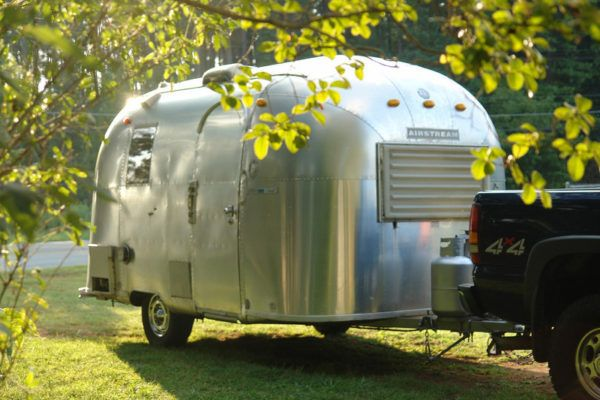 Vintage 1967 17 ft  Airstream Caravel Travel Trailer for
