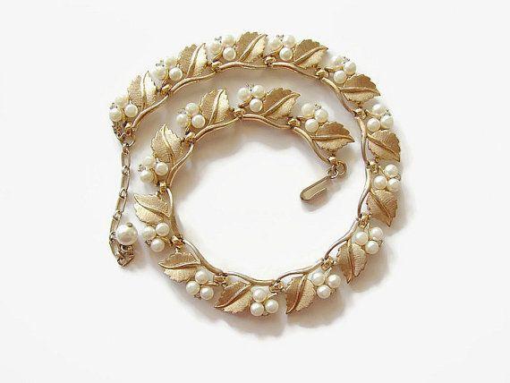 Gold vintage pearl. Gold vintage parure.  by OnceLostBoutique
