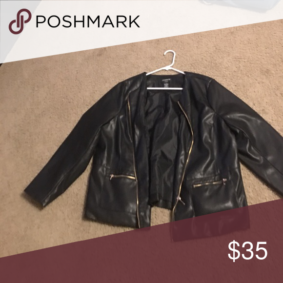 Liz Claiborne 1x Great Condition Jacket From Liz Claiborne In 1x This Is A Faux Leather Jacket With Gold Zi Leather Jacket Faux Leather Jackets Women Shopping