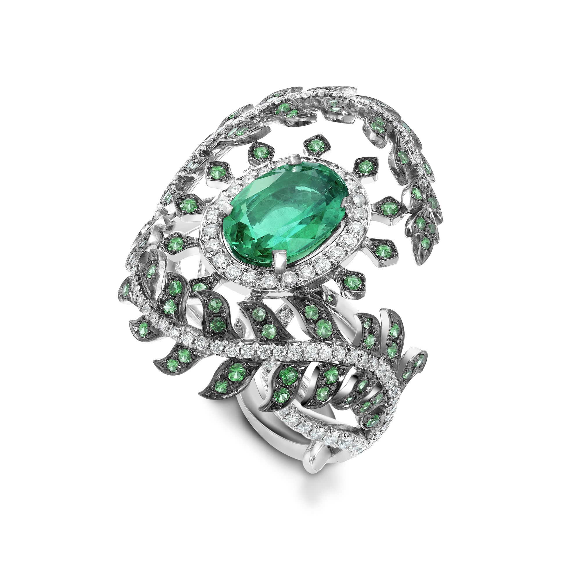 new in and white ring with img gold oval buy arrivals halo diamond emerald
