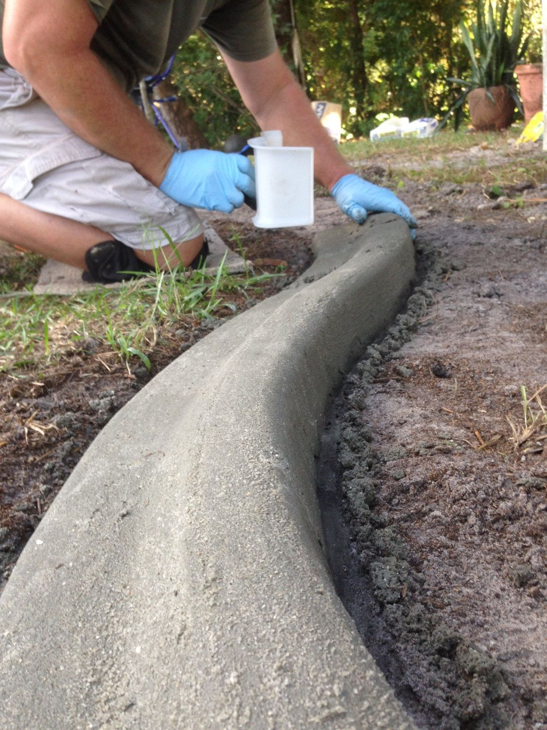 Do It Yourself Home Decorating Ideas: Custom Concrete Curbing Edging Landscaping Do It Yourself