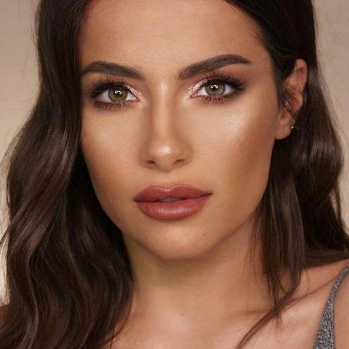 How To Easily Accomplish 'Soft-Glam' Makeup - Society19