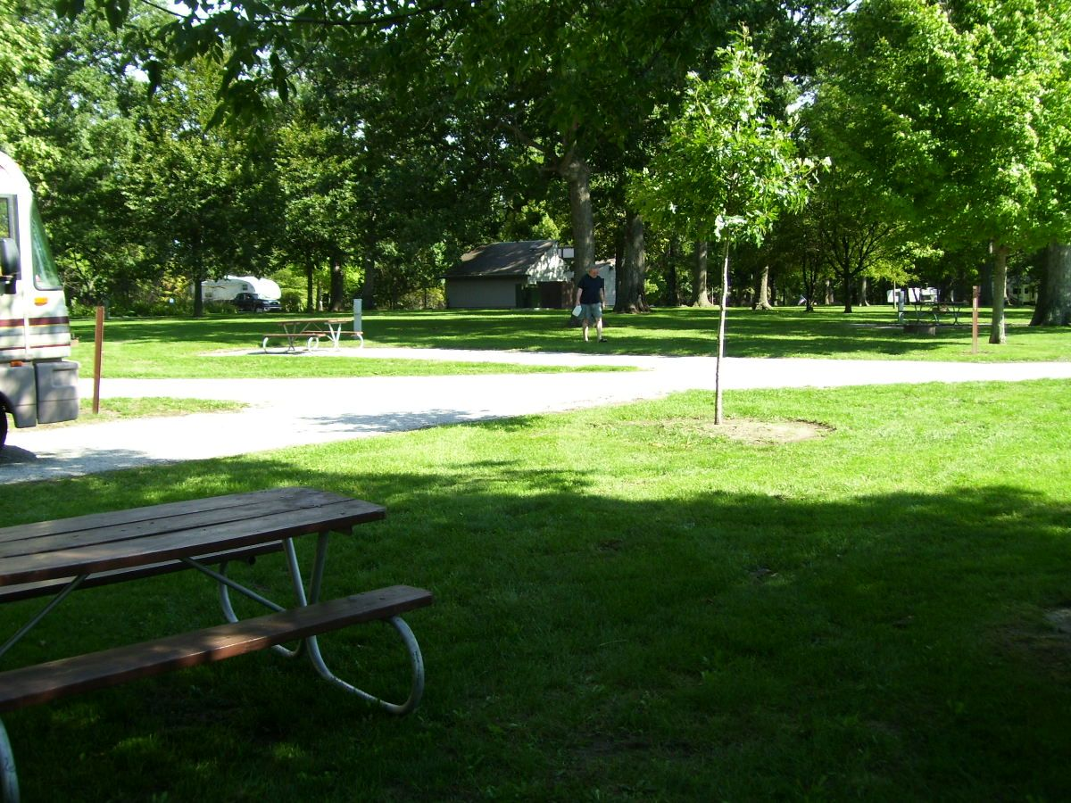 We Found Cheap Campgrounds In Central Illinois Rv Camping Camping Hacks Lake Camping Summer Camping Ideas