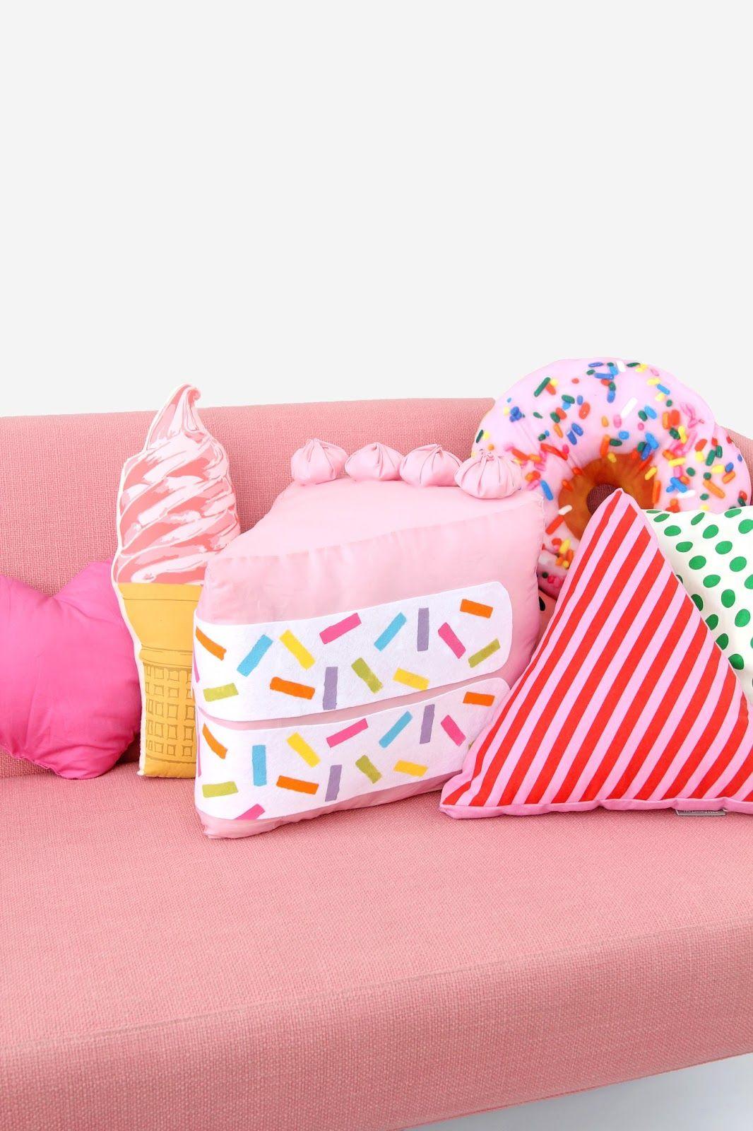 Diy Food Pillows No Sew: DIY No Sew Funfetti Cake Slice Pillow   DIY  Duh!   Pinterest    ,