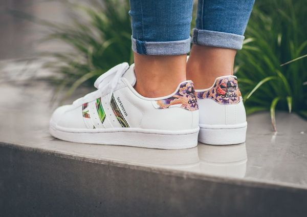 50a9da658bc Adidas Superstar W Floral Stripes (2)
