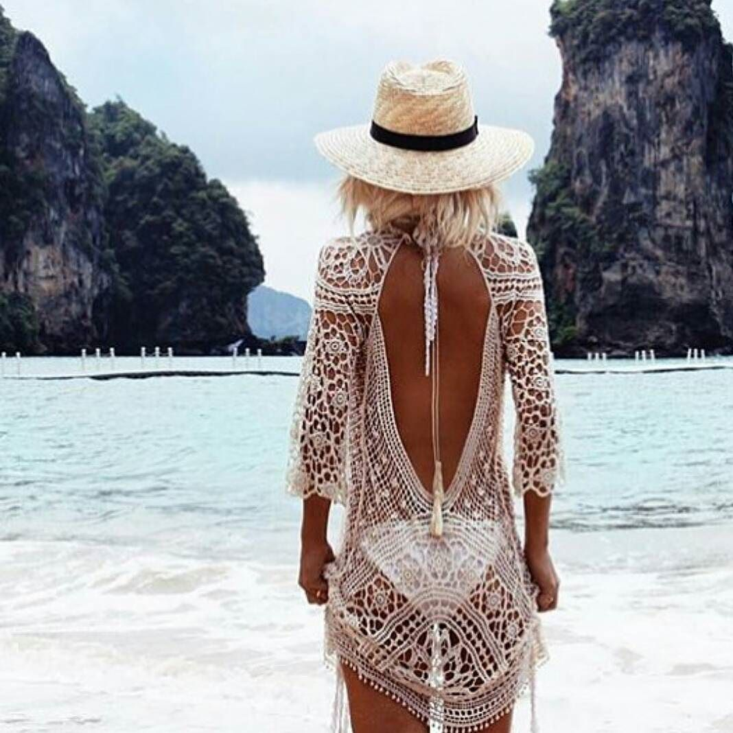 {Details} Our favourite beauty & blogger  @gypsylovinlight looking oh so stunning from behind in the The Sea Urchin Crochet Throw  $69 | In store & online now  http://ift.tt/1GqdATg
