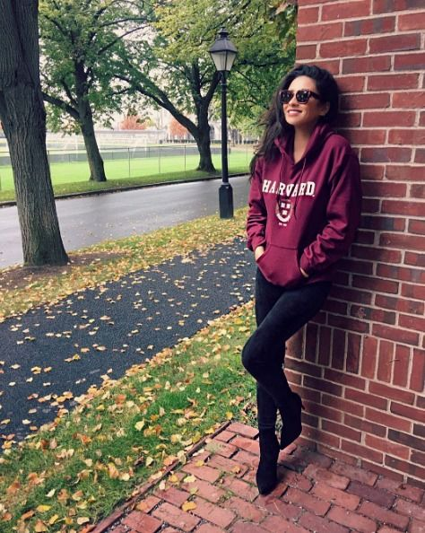 WEAR THAT SWEATSHIRT PROUDLY! | Shay mitchell style, Shay