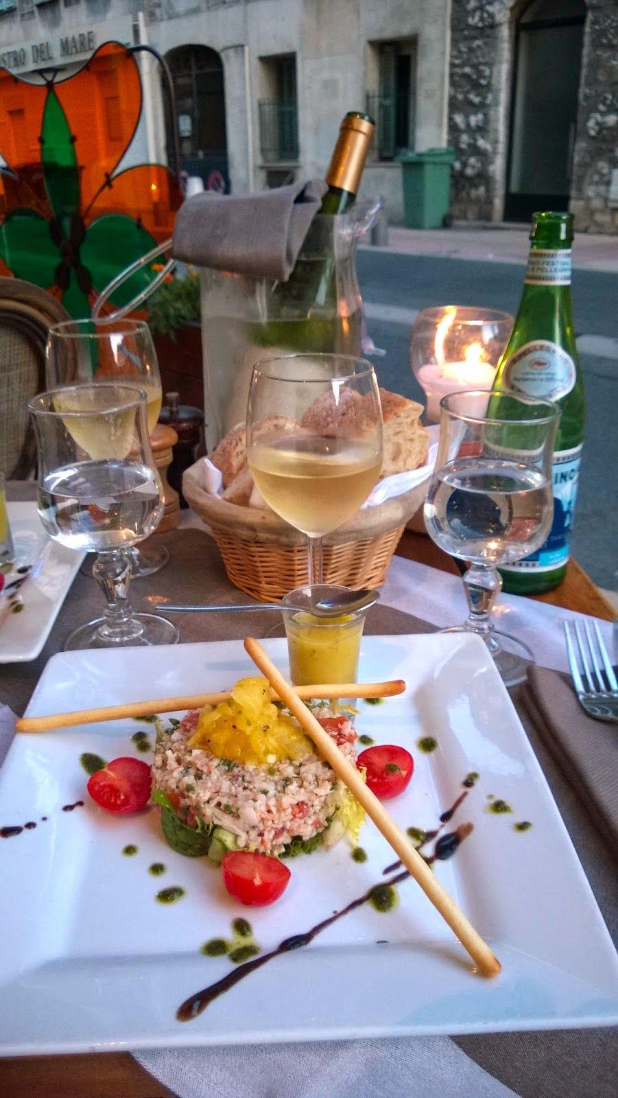 Apen matkat: Ravintola Au Moulin Enchanté, Nizza. http://apenmatkat.blogspot.fi/2014/08/ravintola-au-moulin-enchante-nizza.html