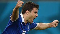 Fildişi Sahili'ni de son dakikada bulduğu golle eleyen Yunanistan'da Sokratis Papastathopoulos, alışılmışın dışında bir rekor kırmayı başardı.