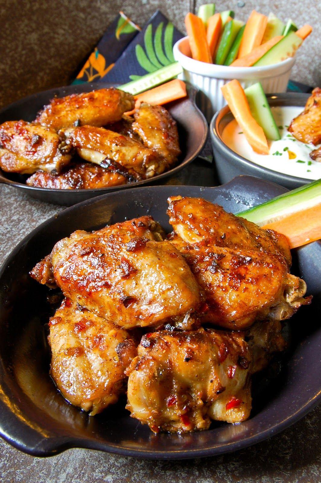 Mausteiset kanansiivet ja kermaviilikastike