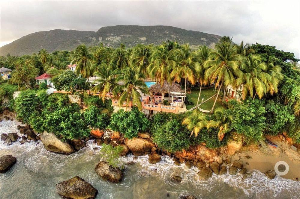 cyvadier plage beach jacmel haiti my love for haiti. Black Bedroom Furniture Sets. Home Design Ideas