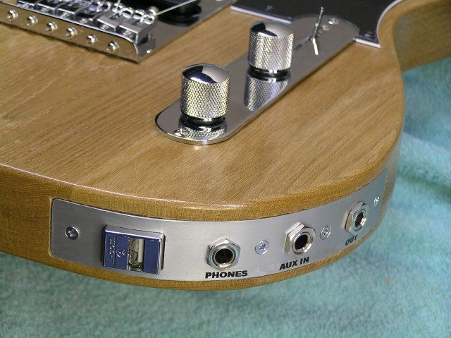 That's an USB Coupler in a, yes, USB Guitar! Cool