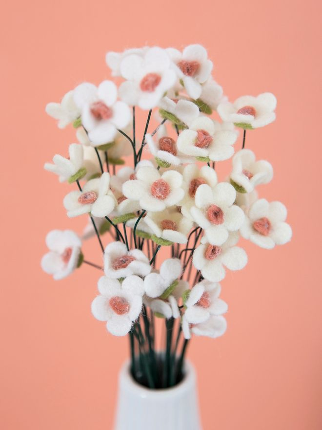 How To Make The Most Adorable Wax Flowers Out Of Felt! #feltflowertemplate