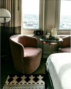 Modern bedroom decor /// #decor #home #decorstyle #smeg #bedroom