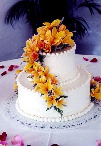 Frosting Plumerias Yumm Hawaiian Cake Hawaii Wedding Cake Creative Wedding Cakes