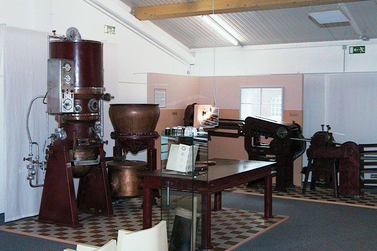 An welchen Maschinen wurden Bonbons damals gefertigt? Genau das sehen Sie im Bonbon Museum Vaihingen/Enz. Von der Entstehung bis zur maschinellen Fertigung von heute. Alles wird hier ausführlich erklärt.