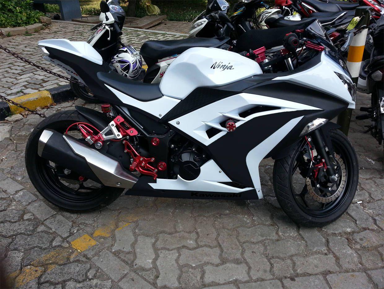 Kawasaki Ninja 300 Black And Red Report This Image Pinteres