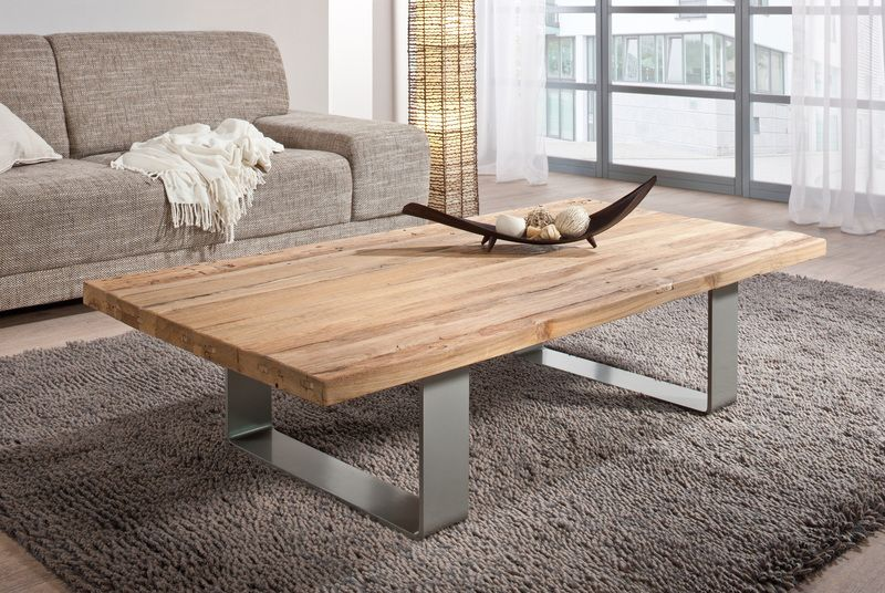 anspruchsvoll und individuell dieser couchtisch aus altholz passend zu jedem. Black Bedroom Furniture Sets. Home Design Ideas