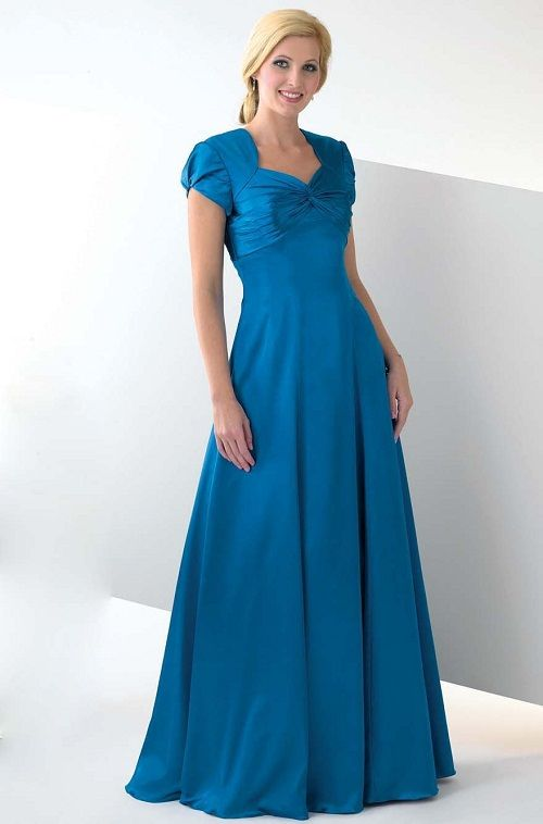 The color blue can be a sure showstopper at a wedding, turning your ...