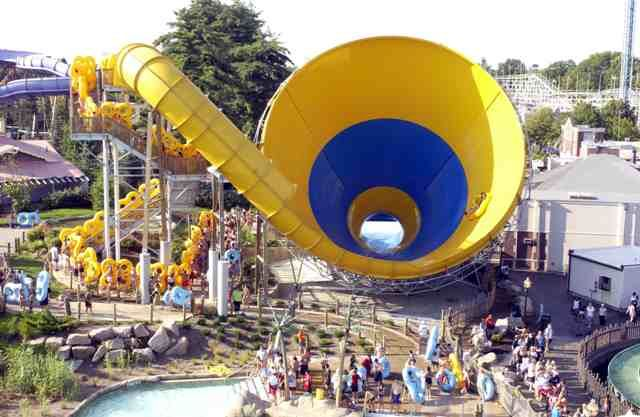 Six Flags Ride Terrifying In A Terrifying Way Water Theme Park Six Flags Water Park