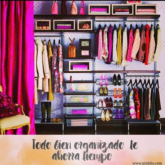 La estrategia para demorarte menos a la hora de arreglarte, es tener el closet organizado.  Así te ahorras tiempo y frustración armando un #outfit #pinklia #styleblogger #fashionblogger #beautyblogger #ropa #accesorios #closet #quemepongo #look