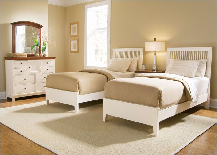 kids room? of course better colors but twin bed idea! Dreaming