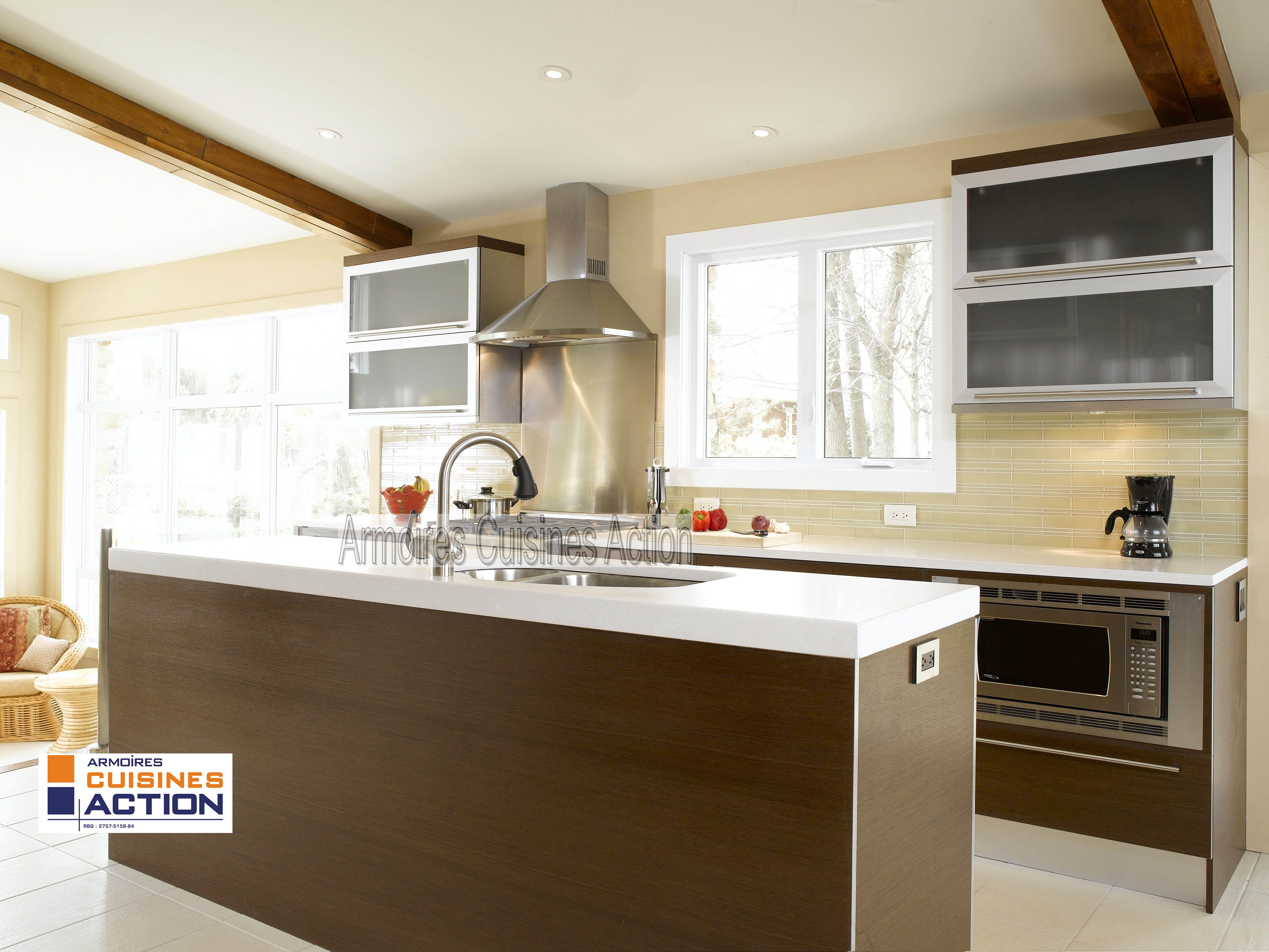 un comptoir en quartz du verre givr de l 39 aluminium et du wenge une r ussite armoires. Black Bedroom Furniture Sets. Home Design Ideas
