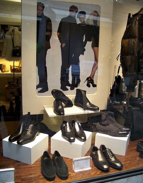 4d57c78afa0b Men s leather shoe display in the windows of Bruno Magli store in the San  Marco district of Venice (Venezia)