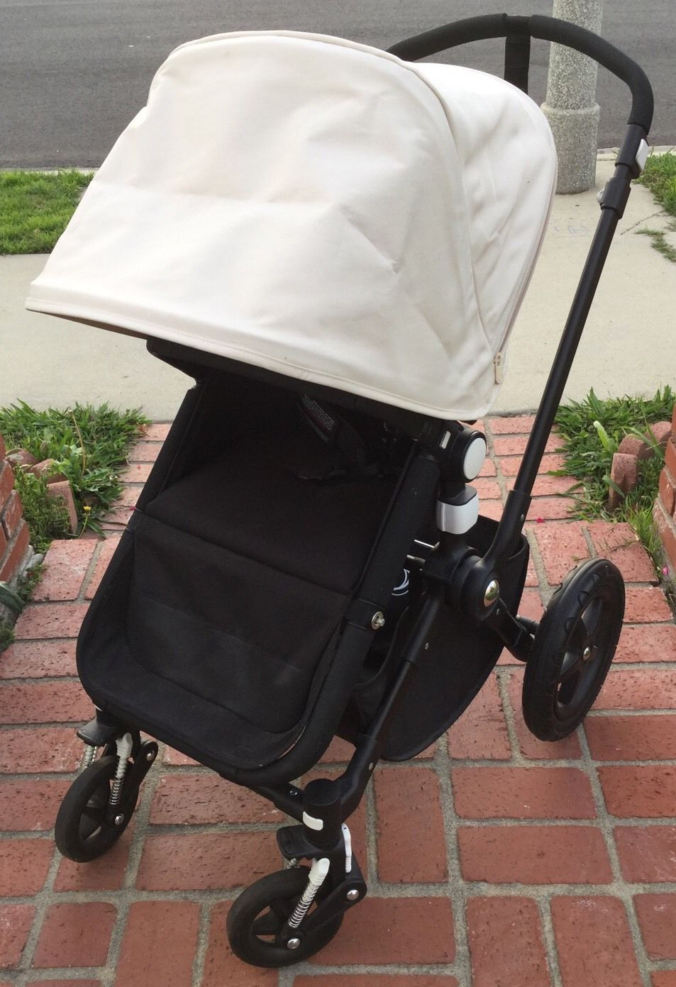 Bugaboo Cameleon 3 Black/Off White Canopy Clean 3 Panel