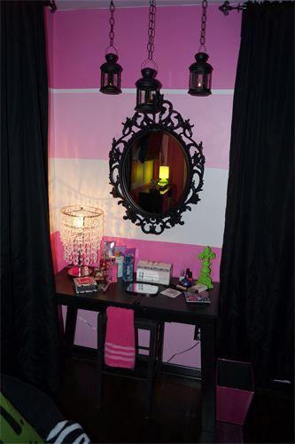 Monster High Bedroom Vanity Table