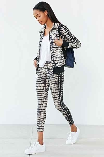 077cb3330856b adidas Originals Firebird Printed Legging - Urban Outfitters ...