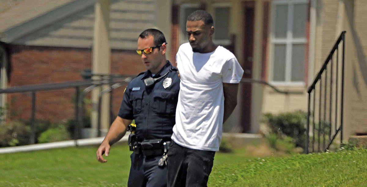 Clarksville Police Track Down And Arrest Robbery Suspect Adriam Hodge Clarksville Tn Online Robbery Police Clarksville