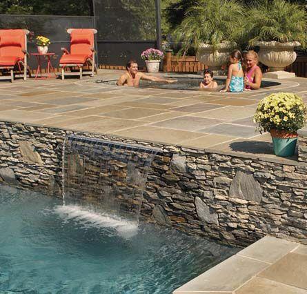 Mini piscine carrée sur une terrasse de 30m2 Végétation d