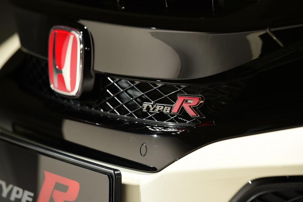SO MUCH WANT! New Civic Type R IS STUNNING! #Honda #civic #hondacivic #hondalife #hondalove #car