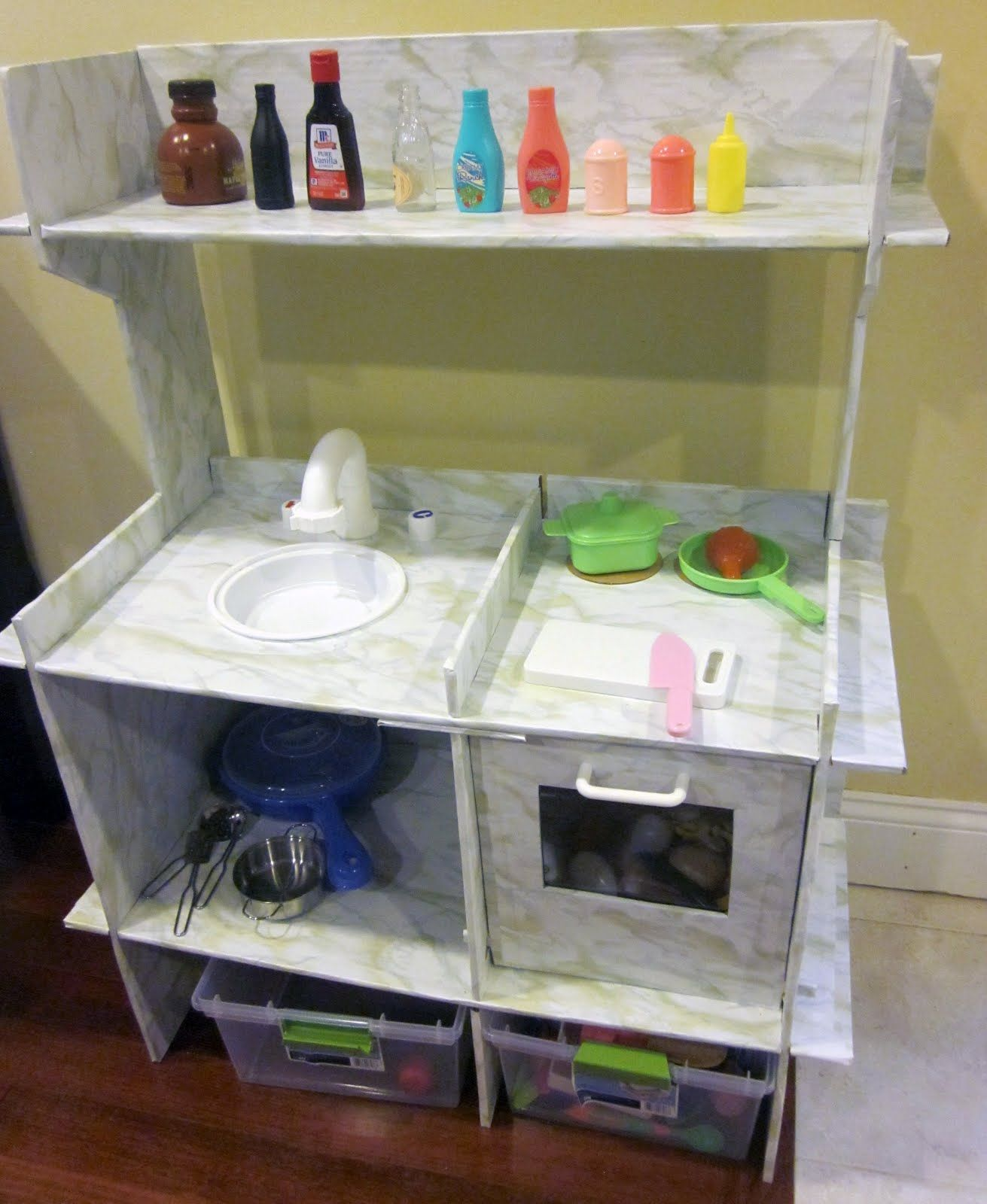 New Little Kitchen Play kitchen, Diy cardboard
