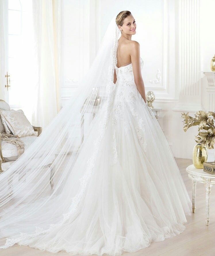 Pin by Ivona Nona on wedding Dresses | Pinterest | Wedding dress and ...