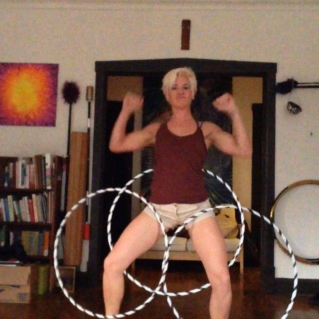 Hey guess what? Its #threethingthursday !! Here is some extra #silly #nonsense for you #triple #hoop #hulahoop #hoopspam #infinitecirclescommunity #hooping #hoopersofig #hooperswithoutlimits #chicago #perkulator
