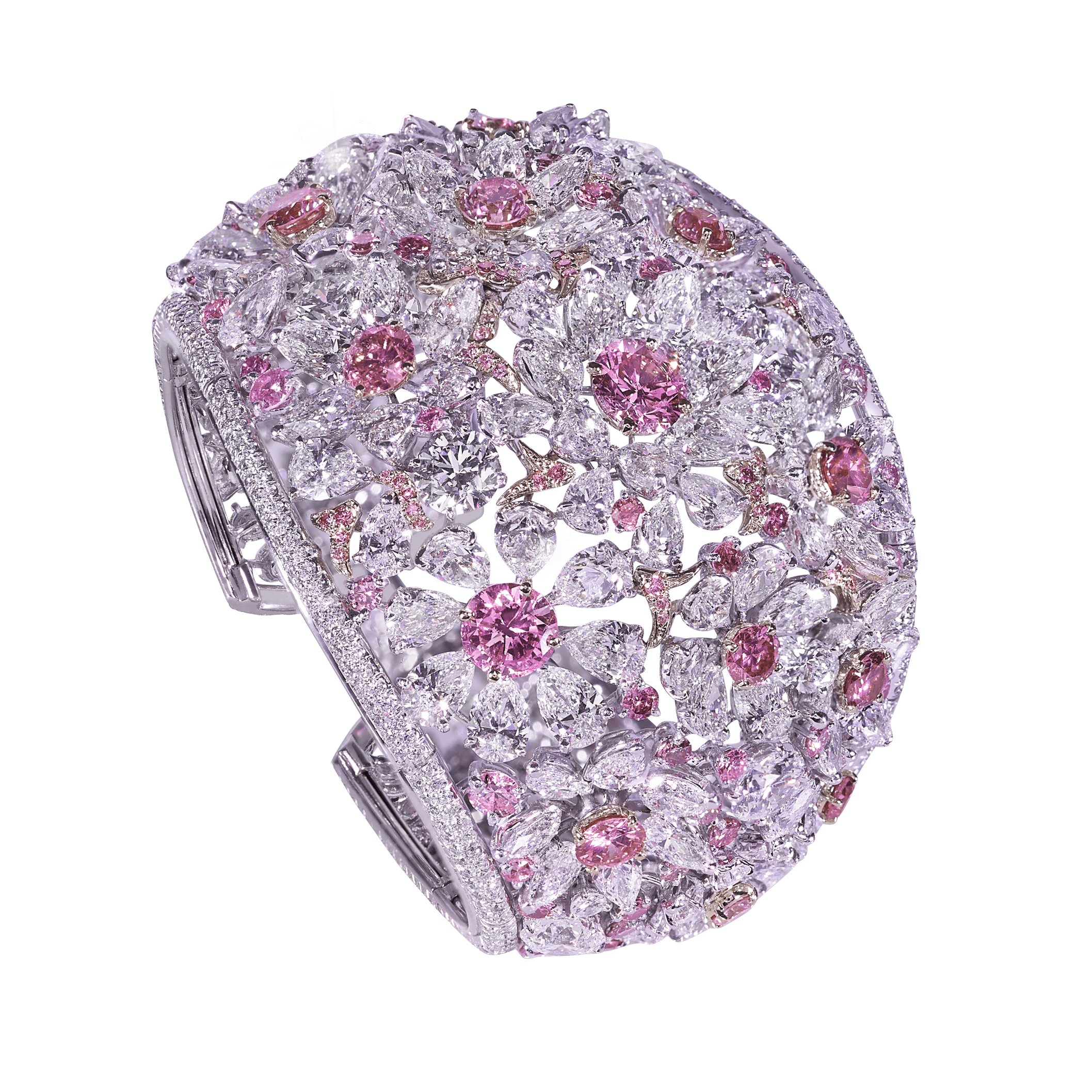 Moussaieff boast a stunning range of exceptional hand-crafted high jewellery, including rings, necklaces, earrings, bracelets, tiaras and more.
