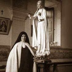 Lucia with Fatima statue