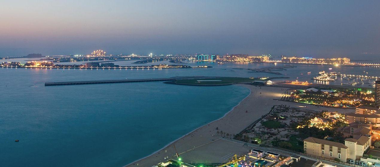 Hilton Dubai The Walk Hotel, UAE - Pure Sky Lounge - Palm View