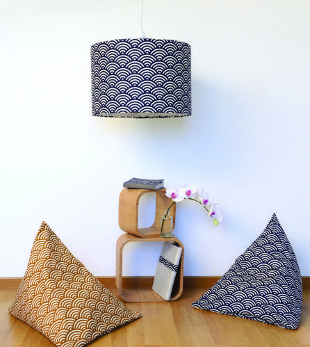 diy d co poufs et abat jour japonisants for the home. Black Bedroom Furniture Sets. Home Design Ideas