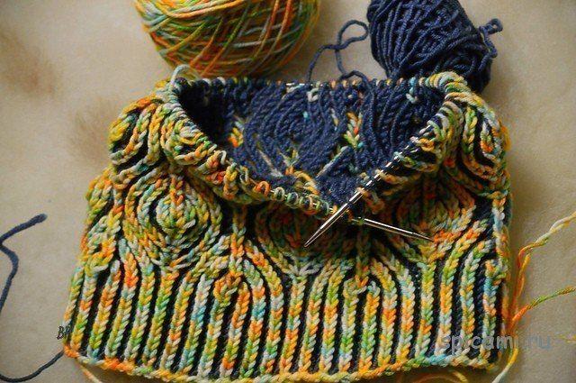 Шапка «Листья» от Raina Kruus в технике бриошь | вязание:шапки ...