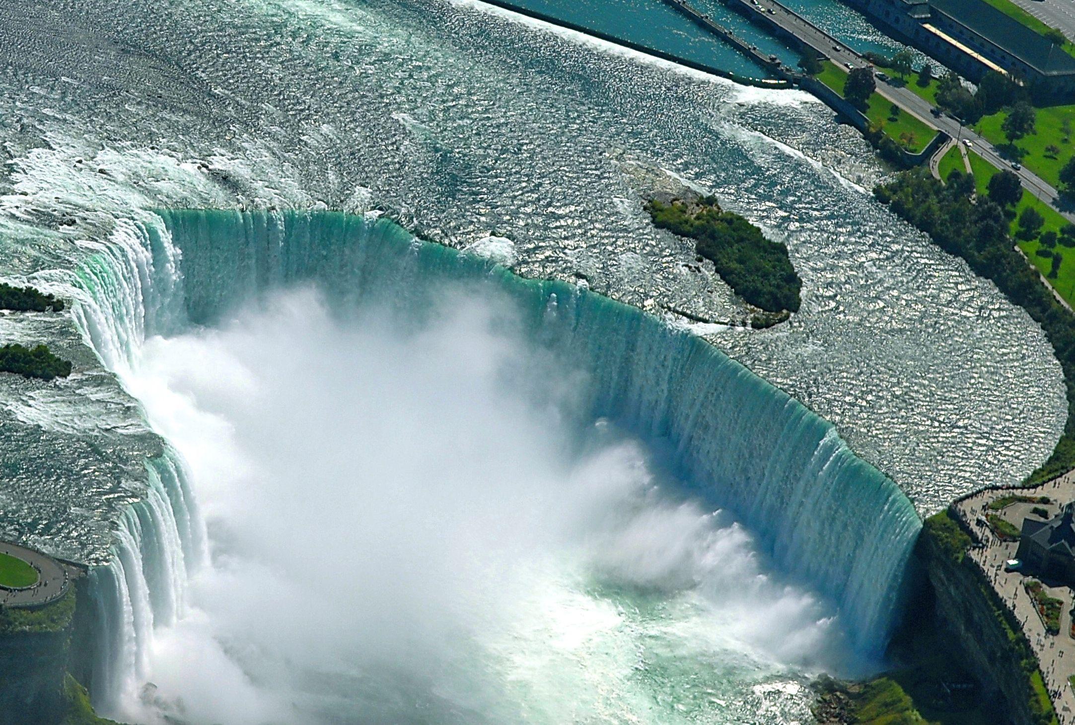 вашему ниагарский водопад из под воды фото месте происшествия при