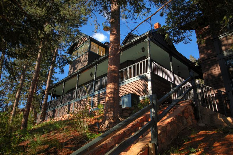 An Artful New Retreat In The Colorado Rockies: The Outlook Lodge In Green Mountain Falls - Forbes